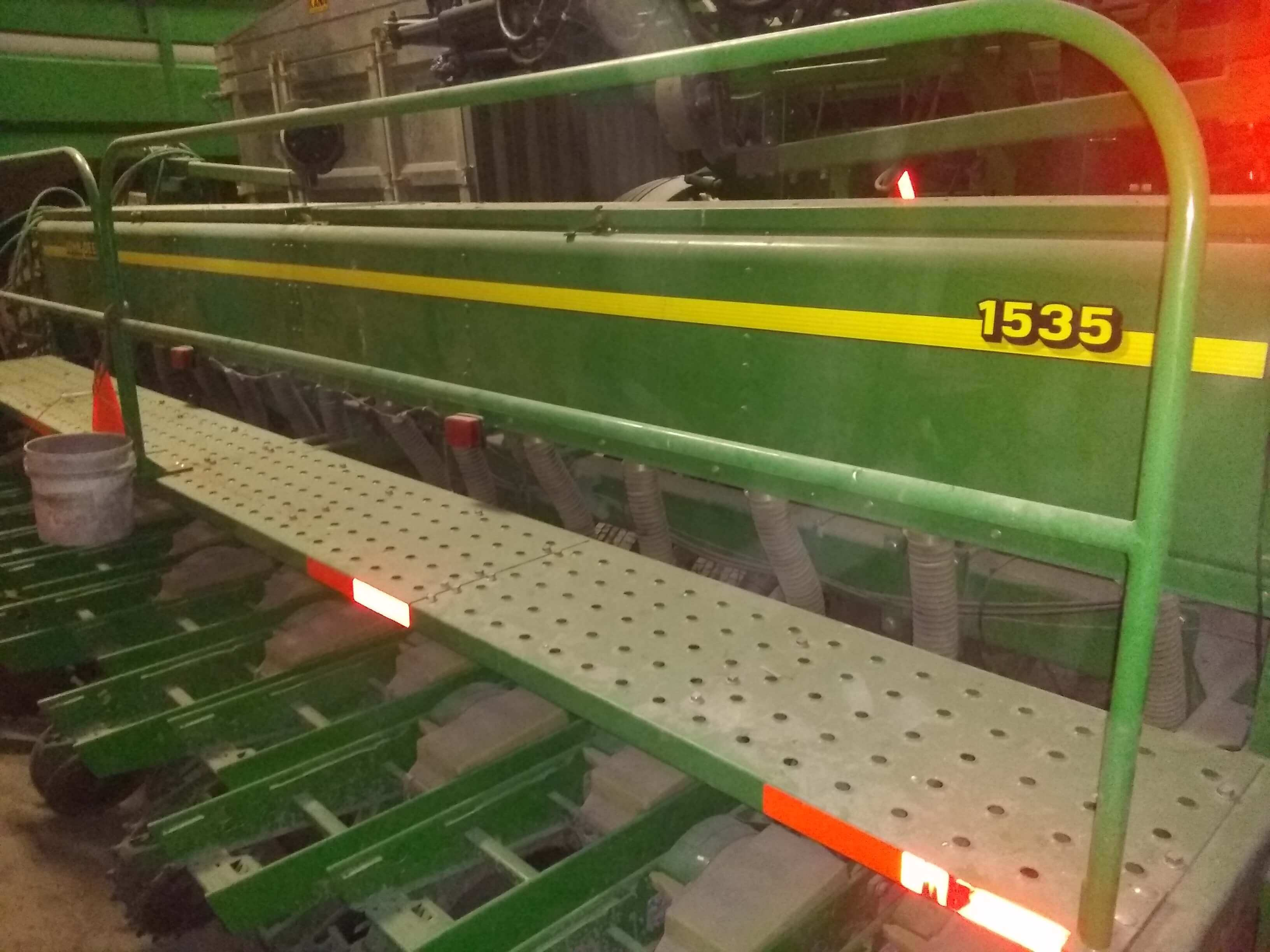 Photo Gallery Images for John Deere 1535 Drill