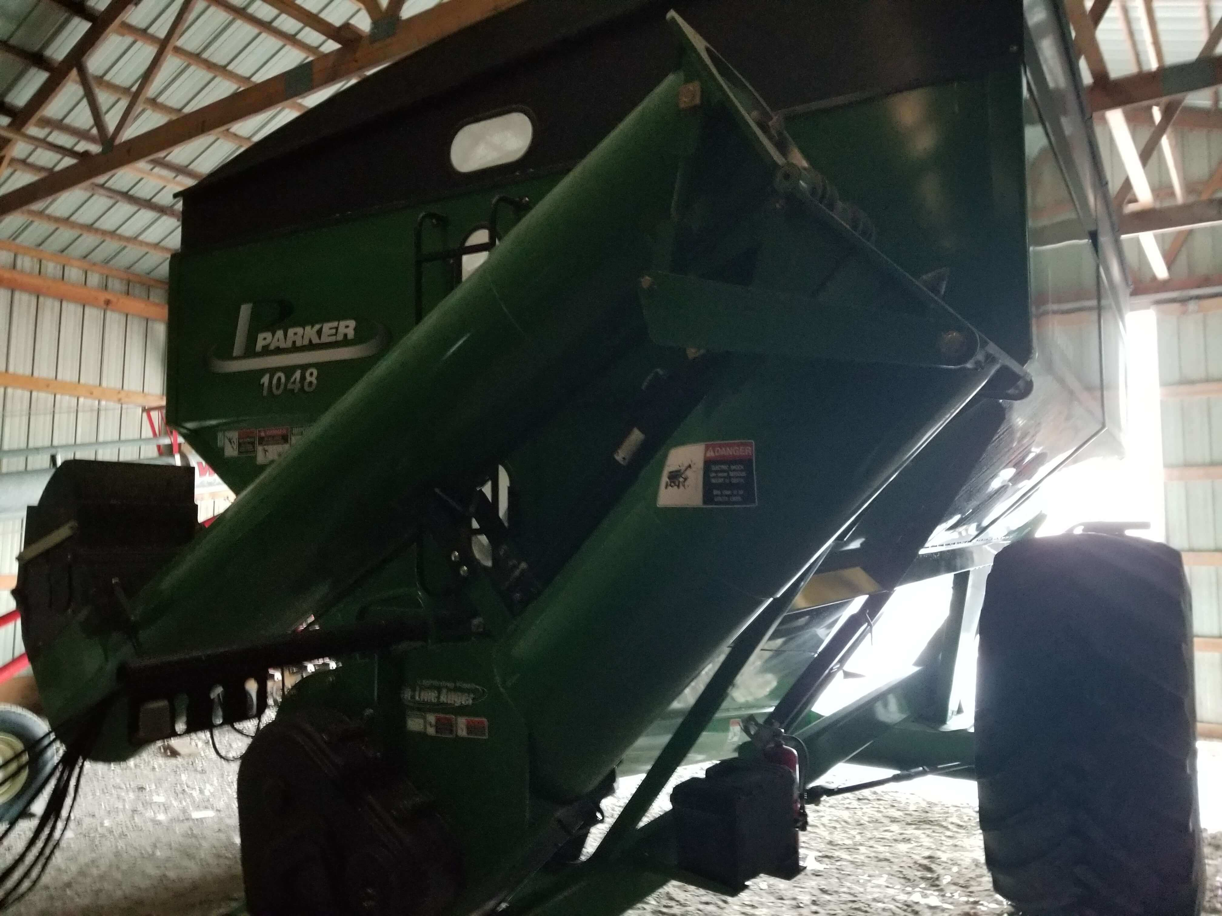 Photo Gallery Images for Parker 1048 GRAIN CART